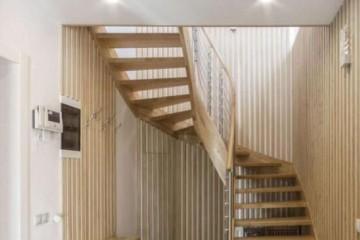 阁楼楼梯颜色哪种比较好?