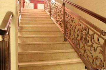 实木楼梯护栏高度标准一般是多少?