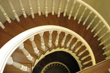 实木楼梯施工有哪些要注意的?