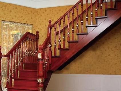 别墅装修过程中实木楼梯质量因素应该考虑一下问题