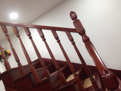 楼梯踏步板尺寸 实木楼梯踏步板知识