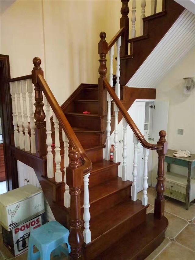 优质美国红橡实木楼梯立柱