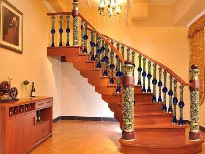 实木楼梯应该怎样定做?