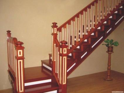 中国实木楼梯的优势让更多的人喜欢!