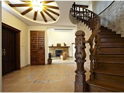 国内实木楼梯的选购方法和保养方法有哪些